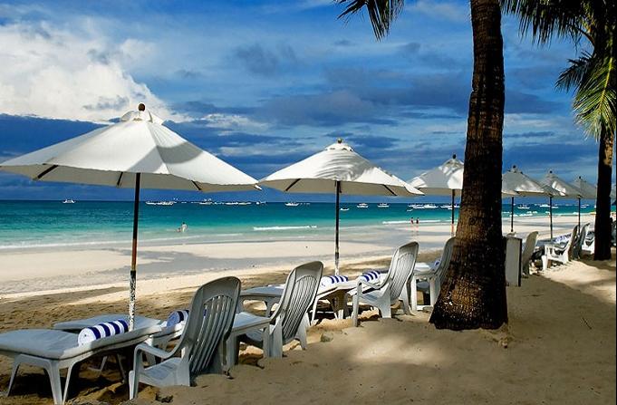 ボラカイ島のホワイトビーチ